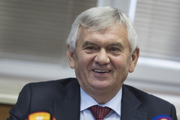 Exminister za Smer Ľubomír Jahnátek rozhoduje o cenách energií