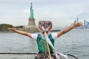 Tekovský kroj opäť pod Sochou slobody v New Yorku.
