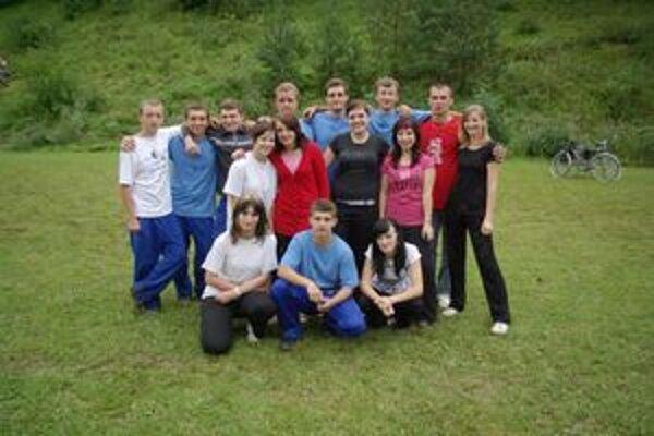 Mladí hasiči z Hornej Breznice.