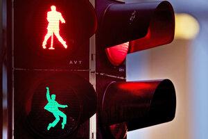 Semafory sa nachádzajú na Námestí Elvisa Presleyho.