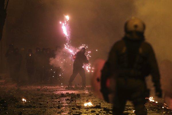 V Grécku došlo k výtržnostiam.