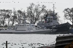 Tri ukrajinské lode po zadržaní 25. novembra 2018 v Kerči na Kryme.
