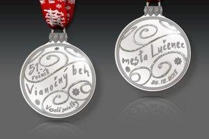 Účastnícka medaila pre všetkých registrovaných bežcov.