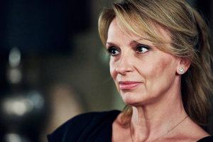 Ivana chýlková v tretej sezóne seriálu Terapie.