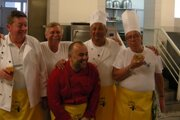 Jozef Mačupa (úplne vpravo) na kulinárskom charitatívnom podujatí Deň vtákov.
