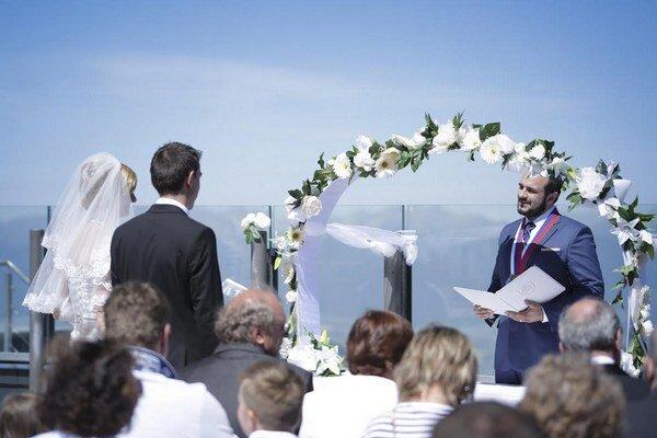 Vlasta a Marián sa zosobášili tam, kde sa pred deviatimi rokmi spoznali.