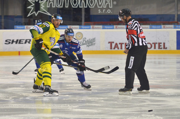 Peter Húževka v zápase proti Popradu.