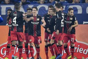 Gólová radosť hráčov Bayeru Leverkusen.