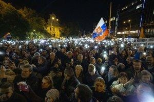 16. novembra. V predvečer výročia Nežnej revolúcie sa koná ďalší protest Za slušné Slovensko.