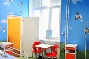 Nové priestory na detskej chirurgií žiaria veselými farbami.