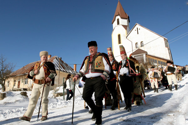 Pastierky hry vianočné v Lome nad Rimavicou sú veľkým lákadlom.