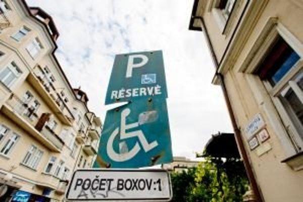 Parkovacie miesto pre konkrétne auto sa už vybaviť nedá.