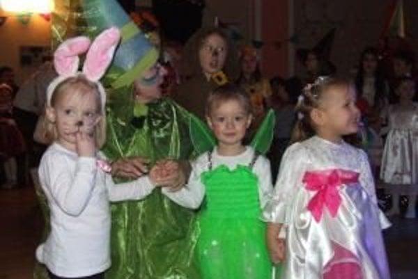 Nedávny karneval detí sa niesol v duchu myšlienky: Ja som maska a ty tiež, pod masku sa schovať smieš.