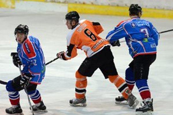 Súťaž odohrali s mladým mužstvom doplneným o skúsených hokejistov. V tíme ale chýbala generácia hráčov, ktorí by do hry priniesli kvalitu.