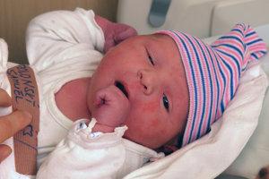 Prvým novoročným dieťaťom, ktoré sa narodilo na 1.gynekologicko – pôrodníckej klinike LF SZU na Kramároch v Bratislave, je chlapec Samuel.
