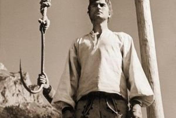 O dobovú atmosféru sa pred symbolickou popravou postará Jánošíkovský sprievod spestrený verbovačkou a lapačkou zbojníkov.