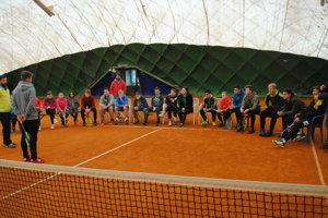 S mladými tenisovými nádejami.