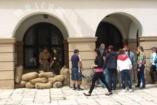 Dobýjaním mesta strávili svobodovci celé dva mesiace a prišli pri ňom o niekoľko stoviek vojakov.