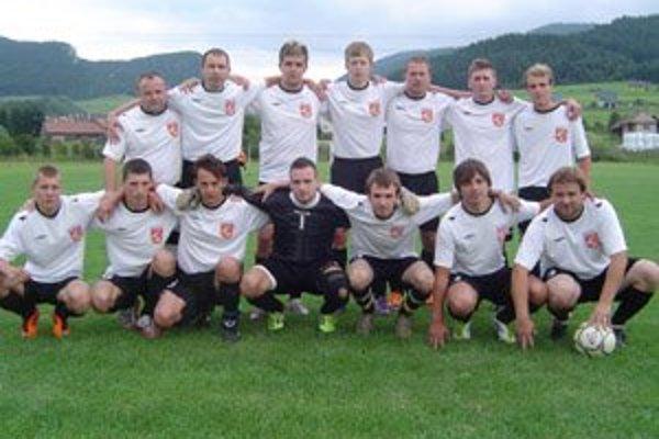 Futbalový tím z Komjatnej