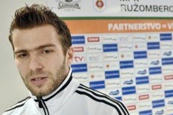 """Ružomberský kapitán povedal, že dostať sa do  A tímu Slovenska nie  je bežná vec. """"Je to neporovnateľné s mojimi štartmi                  v mládežníckych reprezentačných výberoch,"""" dodal."""