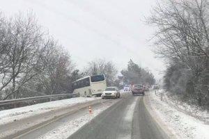 Nehoda autobusu pri Košických Oľšanoch.