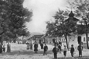 Námestie Varína v minulosti.