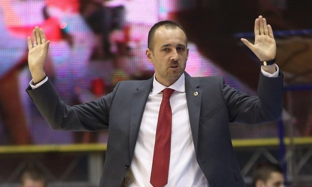Nový tréner.