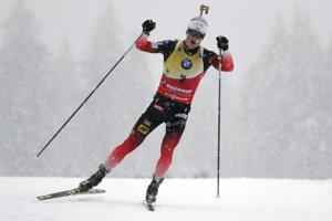 Johannes Thingnes Bö počas stíhacích pretekov v Oberhofe.