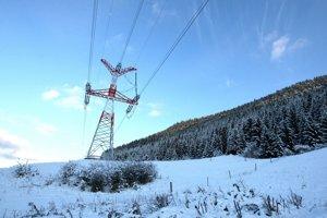 Spotreba elektriny stúpa.