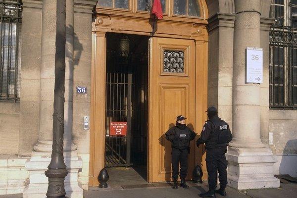 Sudcovia najprv prípad zamietli, avšak parížsky prokurátor a žena uspeli v odvolaní.