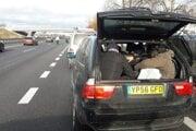 Iračania boli v kufri auta.