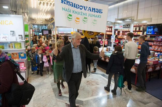 Ľubľanský veľtrh dokáže človeka nadchnúť a pripútať k sebe všetky generácie, navyše komunikuje s celou slovinskou verejnosťou prostredníctvom všetkých typov médií.