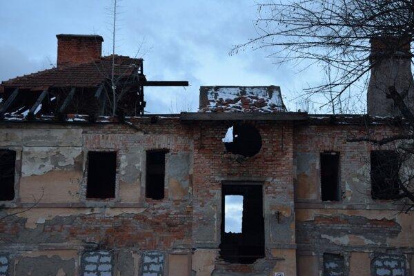 Ruinu môže nahradiť moderná materská škola.