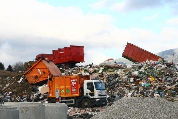 Nájom platí do konca augusta, potom bude musieť mesto voziť odpad inde. Zatiaľ nie  je ale jasné kam.