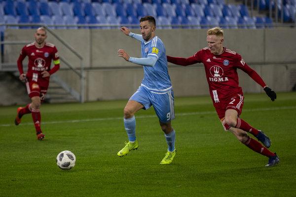 Hráč Andraž Šporar (ŠK Slovan Bratislava) počas úvodného prípravného zápasu ŠK Slovan Bratislava - SK Sigma Olomouc na novom štadióne na Tehelnom poli.