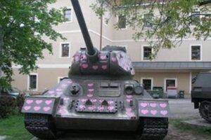 Známy srdiečkový tank