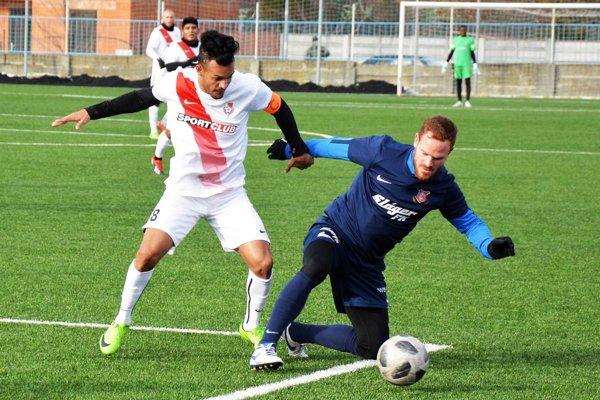 Brazílčan Josiel Alves de Oliveira (v bielom) za Sereď na jar hrať nebude.