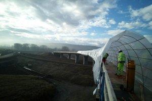 Výstavba úseku D1 Budimír - Bidovce sa nezastavila ani v chladných decembrových dňoch.