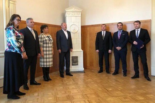 Dekréty si noví riaditelia prevzali na Úrade KSK.