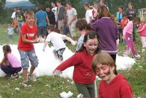 Na svoje si prišli aj deti, ktoré sa na ihrisku vyšantili v pene a pripravili pre ne aj rôzne súťaže.