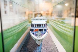Výstava predstavuje dejiny lodiarstva na Dunaji.