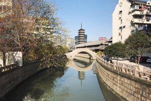 Pohľad na pagodu v Zhenru Temple