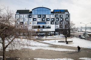 Nová fasáda hotela prekáža odborníkom aj verejnosti.