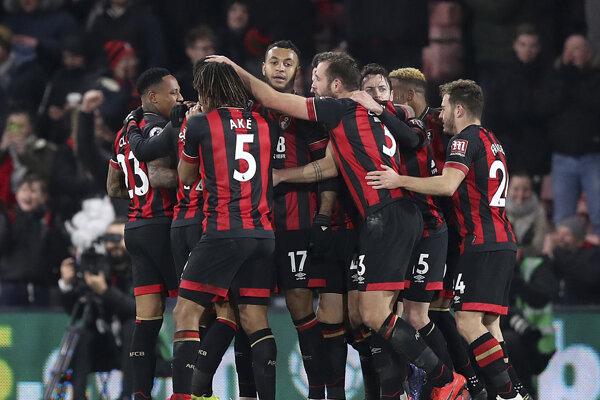 Futbalisti Bournemouthu sa radujú z víťazstva nad Chelsea.