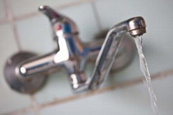 Hygienici zadarmo otestujú sto vzoriek vody, ktorú môžu ľudia priniesť do Regionálneho úrad verejného zdravotníctva v Liptovskom Mikuláši.