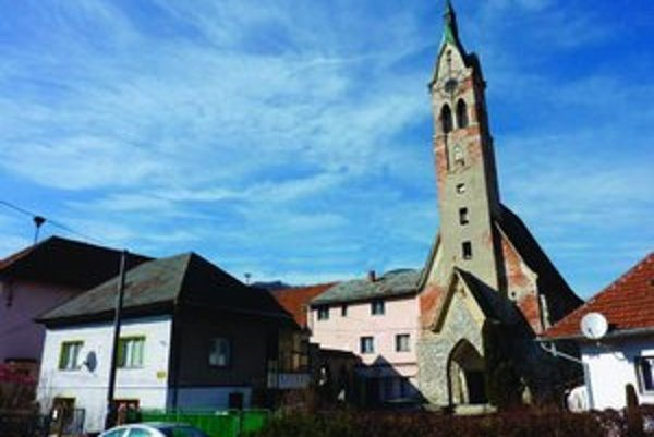 Kostol vybudovala CČSH v roku 1930. Výstavba bola dôsledkom konfliktu vtedajšieho rímskokatolíckeho farára s diecéznym biskupom. Vtedy sa časť obyvateľov  v Liptovskej Osade oddelila od rímskokatolíckej cirkvi a prešla so svojím kňazom k husitskej cirkvi.