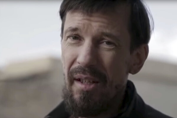 Novinár John Cantlie.