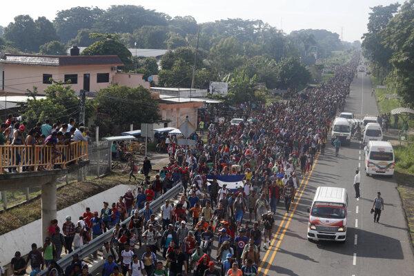 Migranti smerujúci do Spojených štátov.