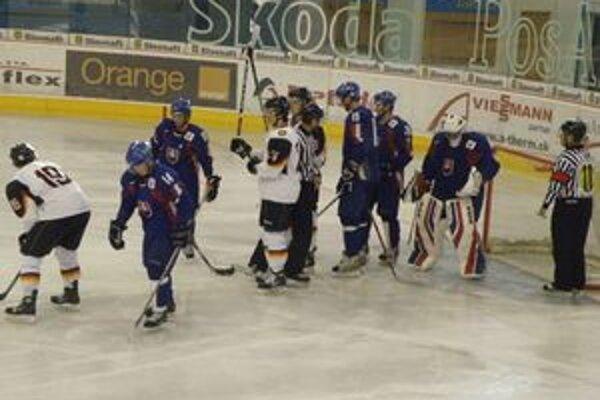 Slovákov (v modrom) čaká Tatranský pohár.