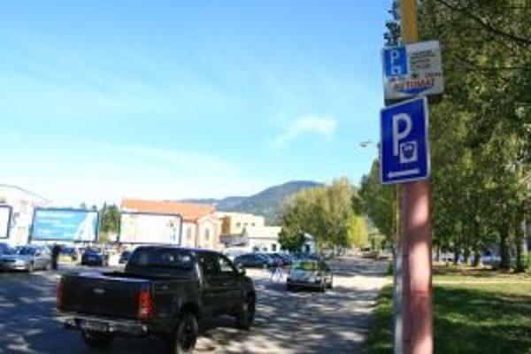 V Ružomberku už nie sú voľné plochy, na ktorých by sa dali postaviť nové parkoviská.